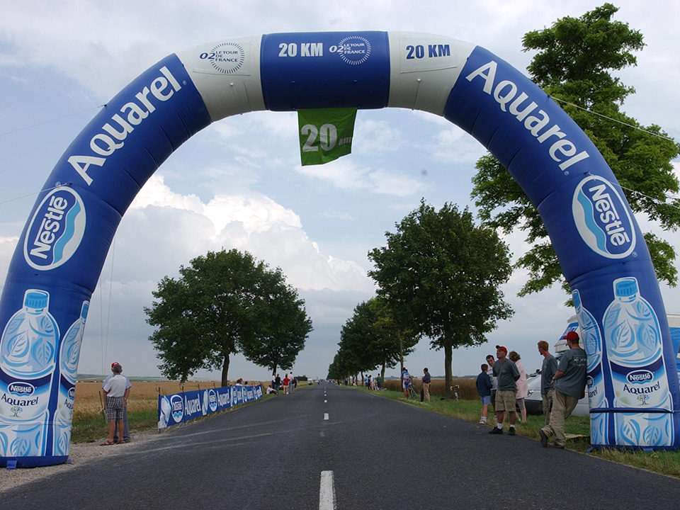 eps-DOUBLET_Inflatables_0014_Arch - TourDeFrance Road Arch Inflatable-Doublet