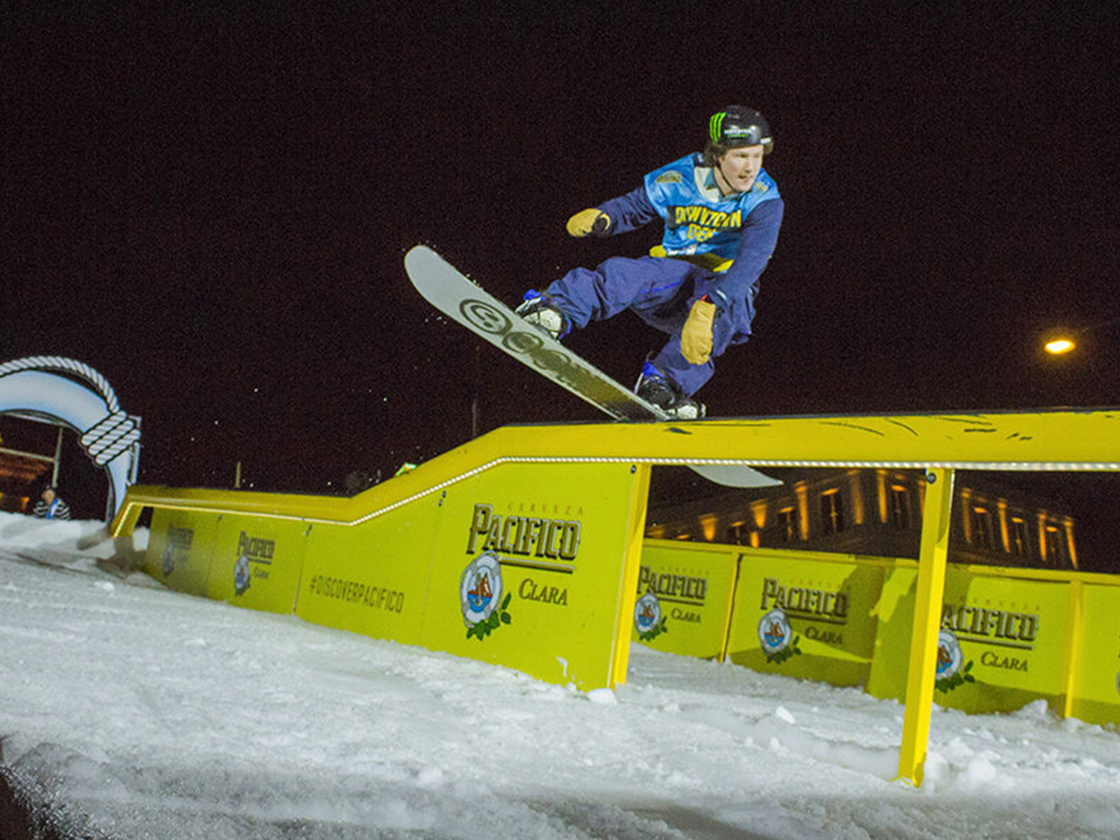 eps-DOUBLET_Out-of-the-Box_0001_Pacifico Rail Jam